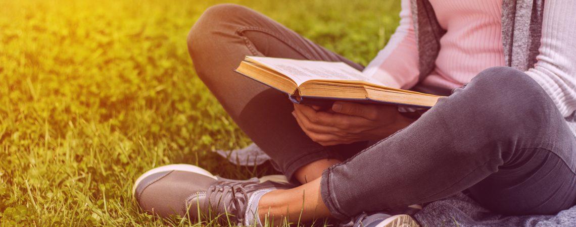 10 cărți pe care orice student trebuie să le citească